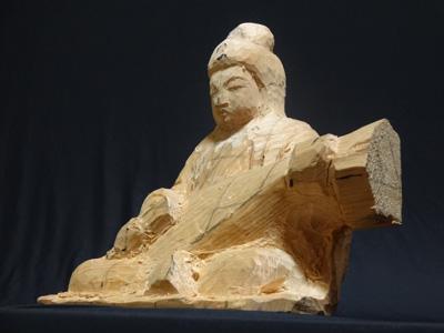 寄木造りの原型 制作行程 8 弁財天の彫刻 手足をぼんやりと彫り進めて全体を進める