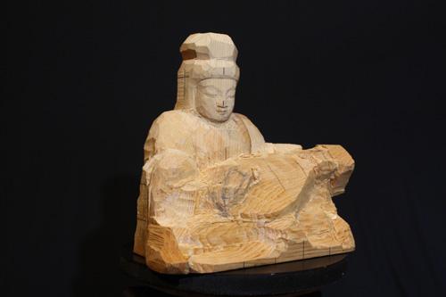 寄木造りの原型 琵琶を持つ弁財天を彫刻 5  荒彫りの続き