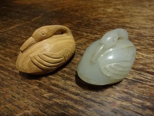 白玉の水鳥を白檀で模刻 前編