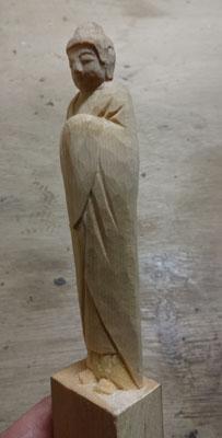 彫刻刀(印刀)一本で仏像彫刻 如来形 4 本体の完成
