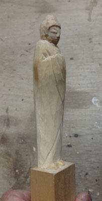 彫刻刀(印刀)一本で仏像彫刻 如来形 3 下線を描いて全体のバランスを見る
