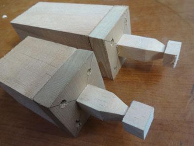 紙粘土の土台を作る