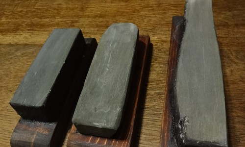 中砥石の青砥の水加減