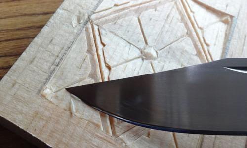 カスタムナイフを研ぐ 3 ー研ぎの仕上げと試し彫りー
