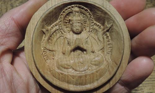 普賢菩薩の香合佛の制作 8 光背の彫刻と整え