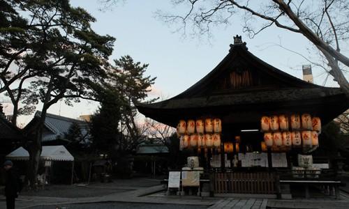 下御霊神社の銘水と初詣