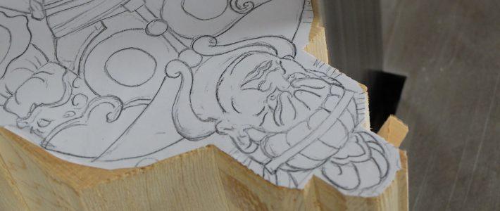 四天王像の輪郭線をバンドソーで削る
